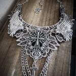 Collier Plastron Dentelle Argenté Pentagram Croix Spikes 666 Sanctus Dei