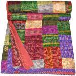 Couvre-lit indien vintage en soie patola Motif Kantha fait à la main Multicolore King Size 228,6x274,3cm. Par Bhagyoday