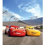 Papier peint XL intisse Cars Flash McQueen et Cruz Ramirez en piste de Disney 180X202 CM