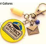 Porte Clés Factrice, Cadeau Factrice, La Poste, Crayon, Bleu Jaune Courrier Lettre Cabochon