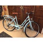 Vélo Femme Bleu Ciel (Béquille. Sonnette. Vitesses Au Guidon. Garde-Boue. Porte Bagage)